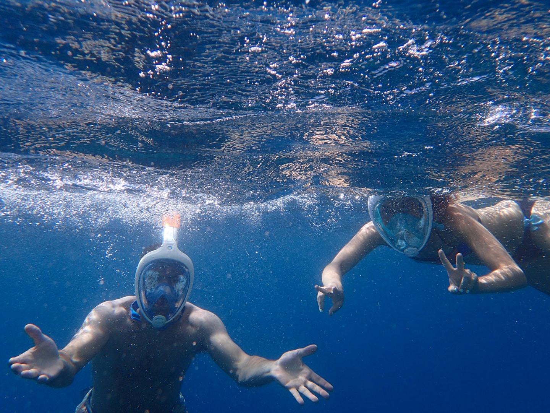 actividades acuáticas navegando
